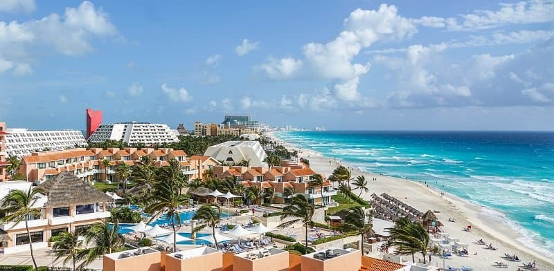 How to Survive a Solo Trip to Cancun During Spring Break