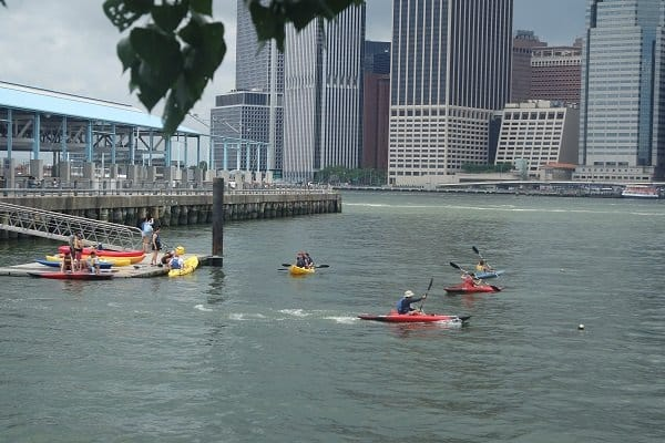Free in NYC Kayaking at Brooklyn Bridge Park